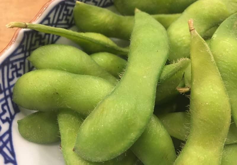 美味しそうな枝豆の画像