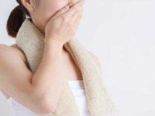 ダイエット中の体臭を気にする女性