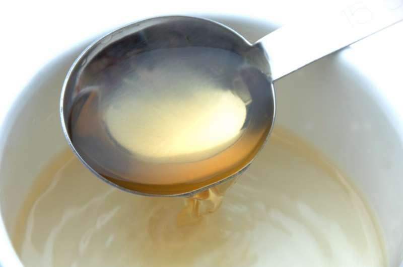 お酢とスプーン